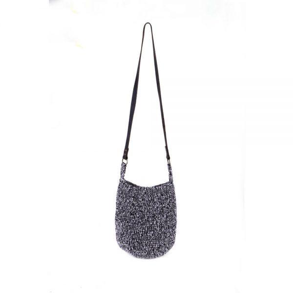 Плетена черно-бяла чанта