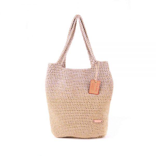 Плетена чанта в бежово