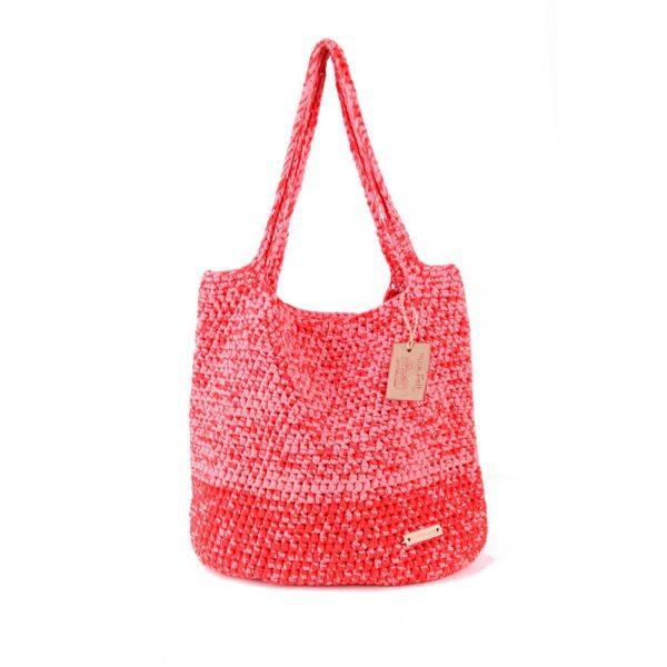 Плетена чанта цвят сьомга