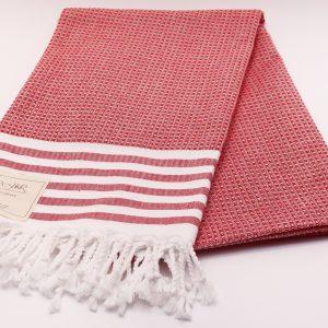 Червена памучна кърпа