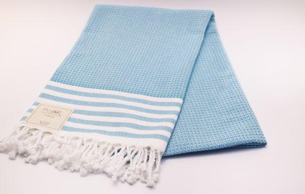 Светлосиня памучна кърпа