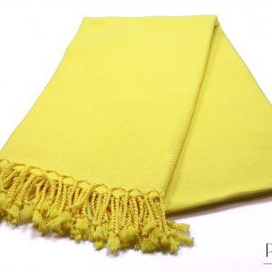 жълта памучна кърпа